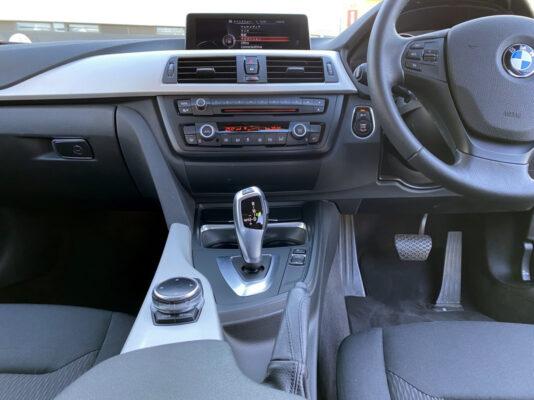 BMW 320i ツーリング★大人気車★走行2.6万k ★絶好調★税金完納★国内最安値★価格交渉可画像13