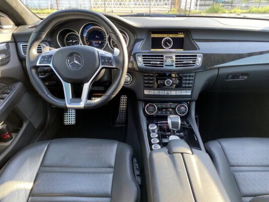 AMG CLS63 ★カーボンスポイラー ★カーボンリアスポイラー ★カーボンサイドミラー ★VOSSEN20インチ60万以上 ★スモークテール ★サンルーフ ★カスタム多数 ★絶好調 ★極上車 ★国内最安値画像14