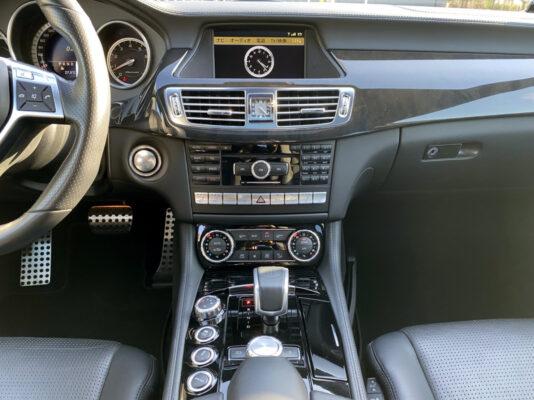 AMG CLS63 ★カーボンスポイラー ★カーボンリアスポイラー ★カーボンサイドミラー ★VOSSEN20インチ60万以上 ★スモークテール ★サンルーフ ★カスタム多数 ★絶好調 ★極上車 ★国内最安値画像16